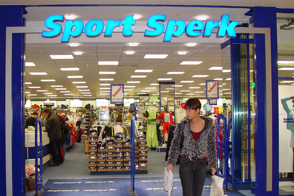 sport-sperk_04_beschriftungen_fliegende-bauten